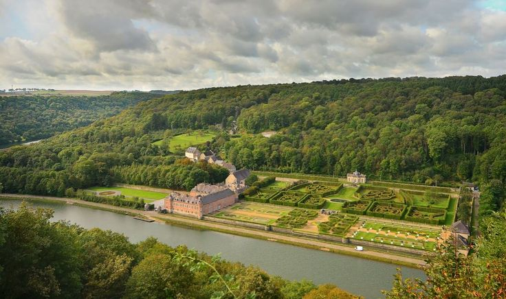castle-of-freyr