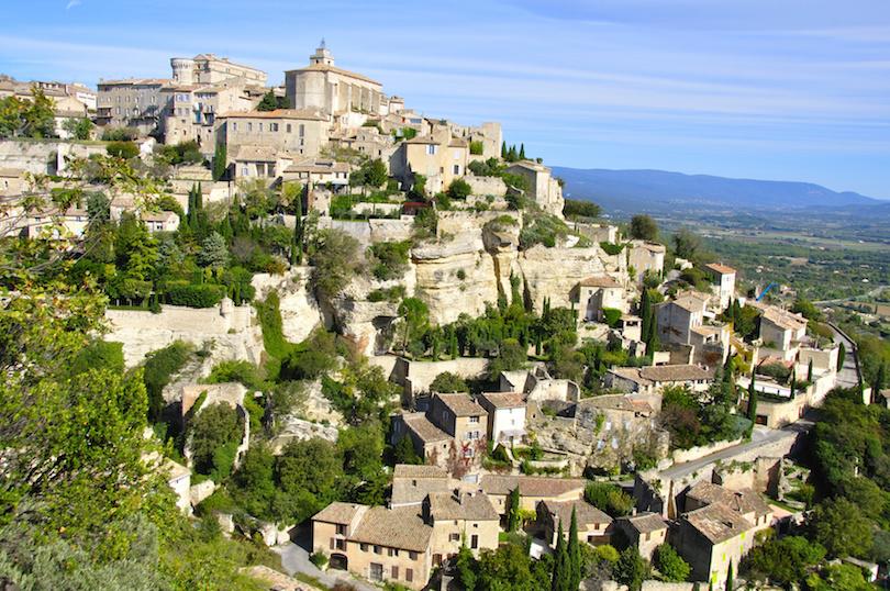 القرى السياحية في فرنسا