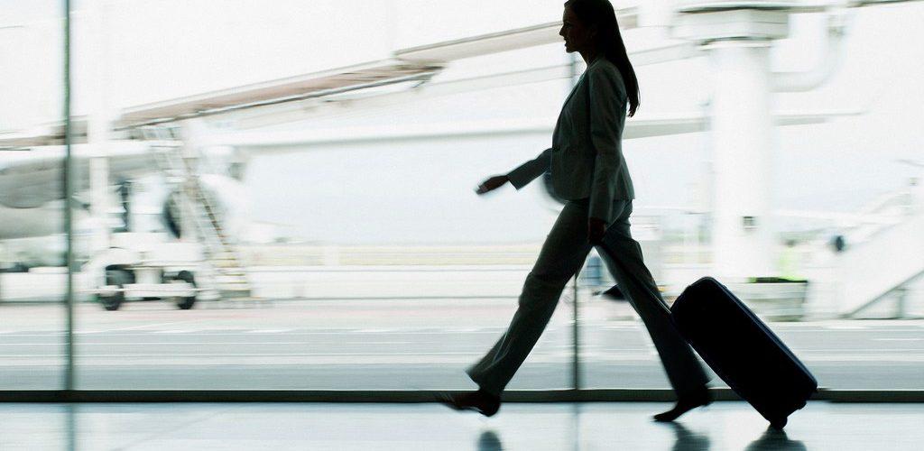 كيف تتعامل مع المشكلات المفاجئة التي قد تواجهك خلال سفرك؟