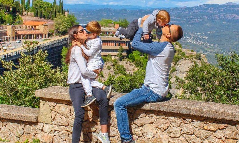 أجمل الأماكن السياحية المناسبة للنزهات العائلية في برشلونة: متعة حقيقية لأطفالك!