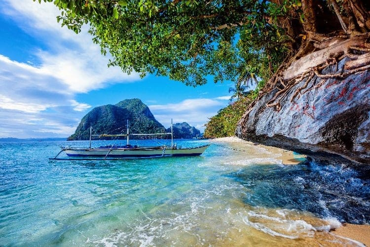 الدليل الكامل لما تحتاج معرفته عند السياحة في الفلبين مع الأطفال المسافر العربي